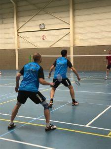 Badmintonteam Halle gelijkspel Leeuwse BC Sint-Pieters-Leeuw sporthal Ruisbroek badminton Halle vvbbc