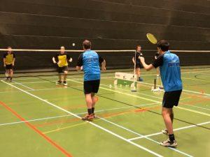 Badmintonteam Halle zege overwinning winst BC Herne De Bres Sportcomplex Halle