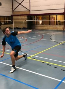 Badmintonteam Halle wint in Dilbeek Badminton Halle VVBBC competitie Bavo Barbé