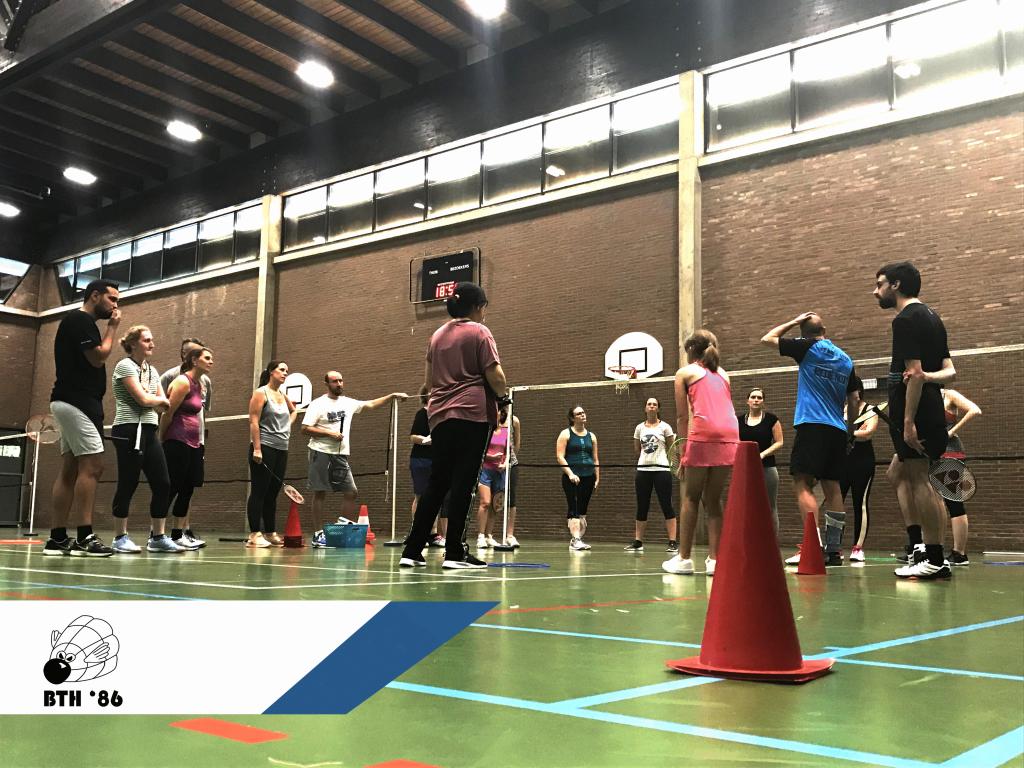 recreatief badminton De Bres Badmintonteam Halle '86 badmintonnen jeugdspelers jeugd meisjes jongens competitie