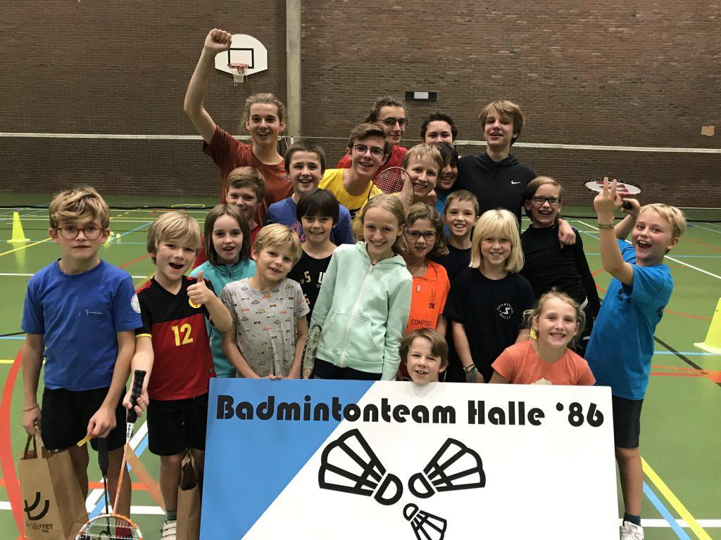 Herfststage herfstvakantie 2019 jeugd jeugdspelers Badmintonteam Halle '86 badminton Sportcomplex De Bres BMW Louyet Argenta Alsemberg - Dworp Blue Note Pub Halle