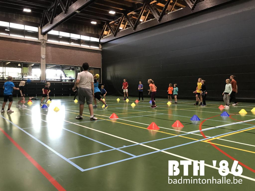 Jeugd breidt uit jeugdbadminton BTH '86 Badmintonteam Halle '86 jeugd Sportcomplex De Bres Sportdienst Halle