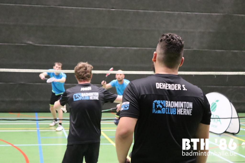 BTH '86 zege BC Herne VVBBC Badminton Vlaanderen Sportcomplex De Bres BMW L. Louyet Baar 28 Gooik Framewall Aalst Argenta Alsemberg Dworp Blue Note Pub Halle
